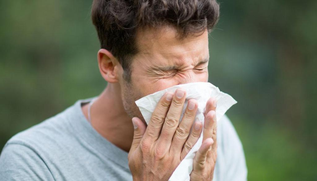 Чихалка в воскресенье: к чему чихается в последний день недели, токование для мужчин и женщин