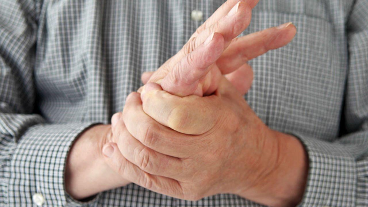Почему чешется средний палец