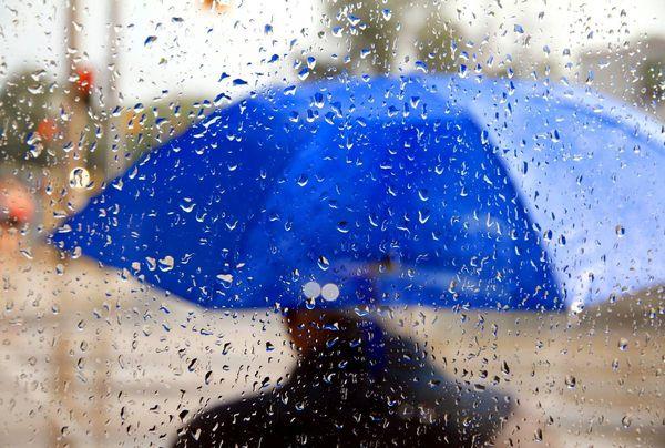 идет дождь