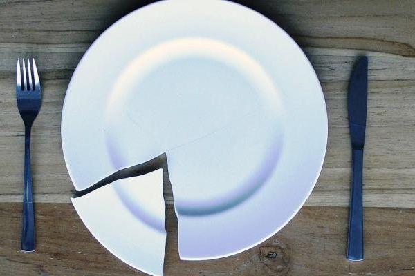 Разбить тарелку: примета