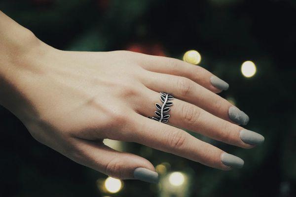 Почему почернело серебряное кольцо