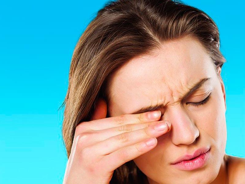 Почему чешется глаз, какое значение имеет день недели и толкование для мужчин и женщин