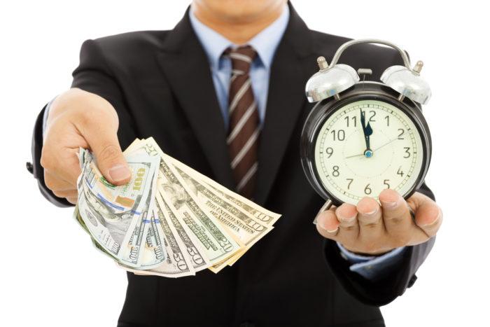 Давать деньги в долг